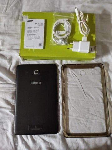 """Tablet Samsung conservado Galaxy Tab E 9,6"""" preto - Foto 3"""