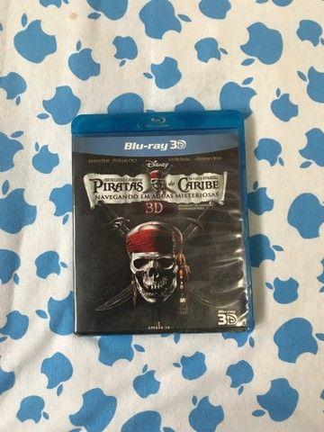 Blu-ray 3D Piratas do Caribe 4 Navegando em água misteriosas R$20,00