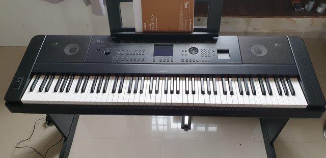 Piano Digital Yamaha DGX 660B - Foto 2
