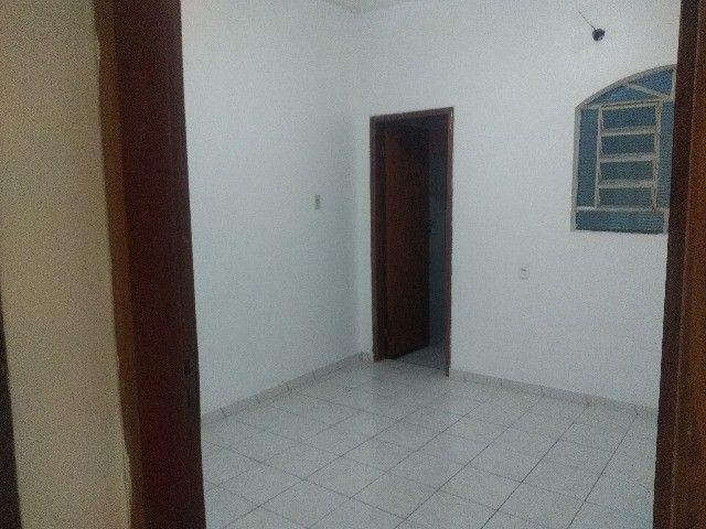 Apartamento térreo, com 3 quartos e 3 banheiros, garagem... - Foto 8