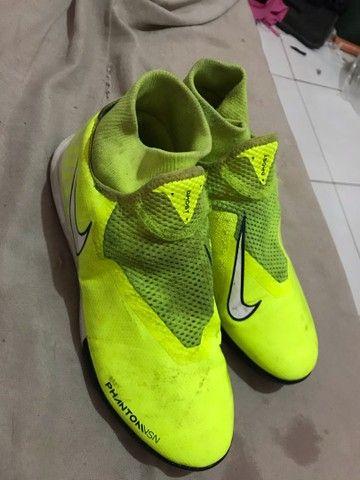 Chuteira Nike 38 salão  - Foto 2