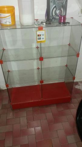 Vendo essa vitrine está semi nova so venda zap 987734620