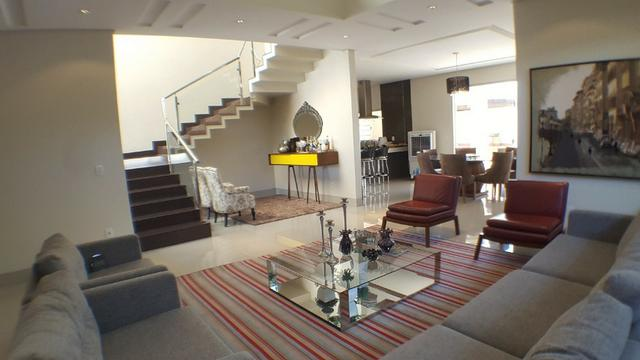 Sobrado 5 Suítes, 425 m², semi mobiliada, c/ lazer na 303 Sul - Foto 2