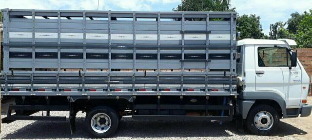 Vendo caminhão 8-150 11/11 muito novo!!!