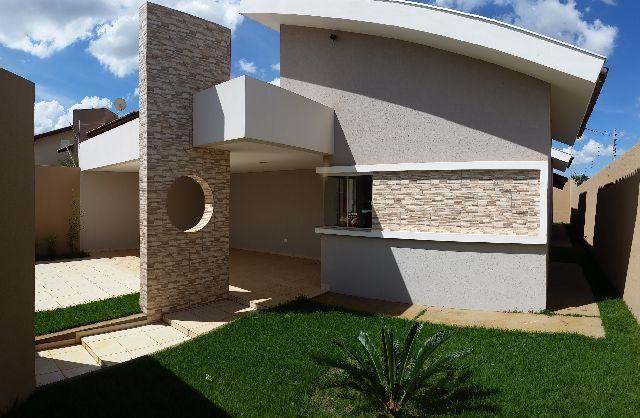 Casa-Térrea / Água Limpa Park