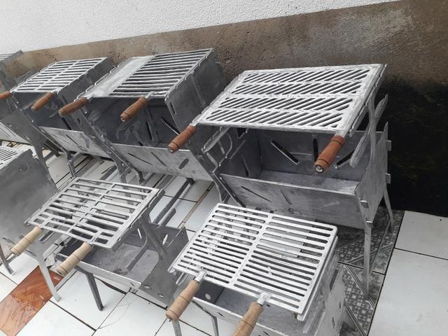 CHURRASQUEIRA de alumínio BATIDO - Foto 2