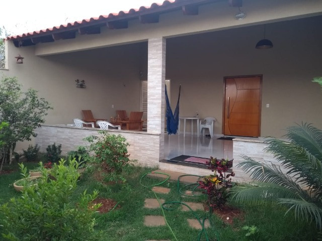 Casa para venda tem 250 metros quadrados com 3 quartos em Jardim Belvedere - Caldas Novas - Foto 2