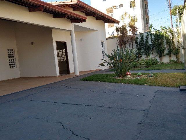 Casa Sudoeste, sozinha no lote . ( Cidade Jardim divisa sudoeste ) - Foto 3