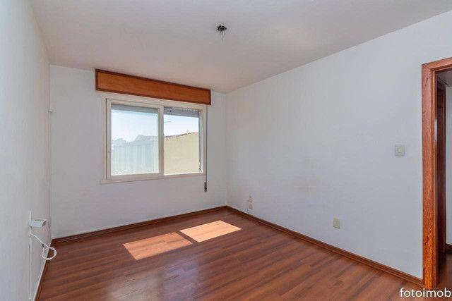 Vendo apartamento 2 dormitórios amplo e com garagem coberta no São Sebastião - Foto 14