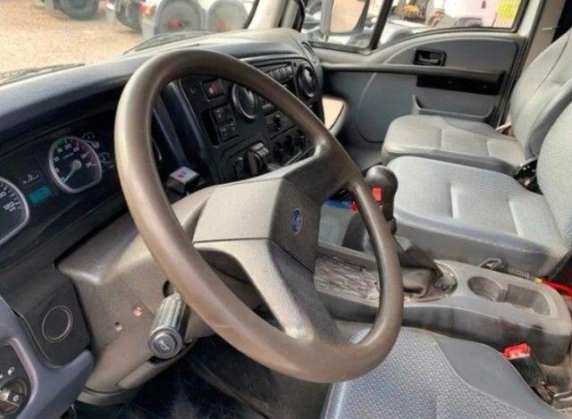 Ford cargo 1719 caçamba 4x2  - Foto 4