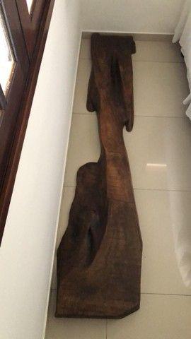 Escultura em madeira belíssima 1.000