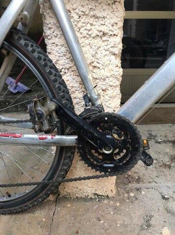 Bicicleta MTB Quadro 17 Aro 26 Kit Shimano - Foto 4