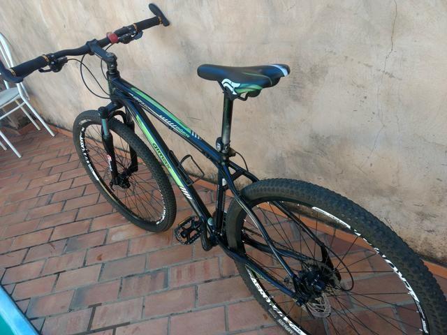 Bicicleta mtb aro 29 c/ freio hidráulico