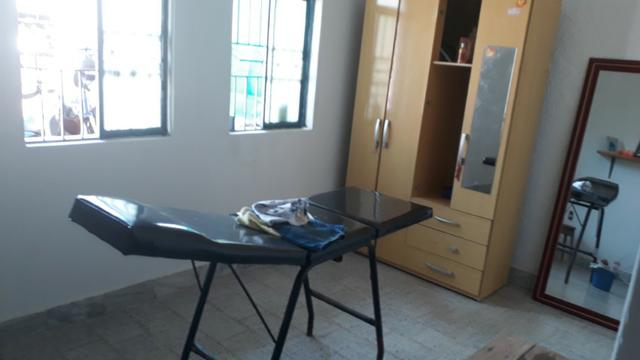 Vende, R$ 300.000,00, excelente casa na av. principal da folha 23 com kitnet no fundo - Foto 8