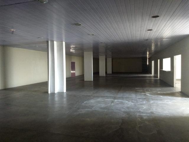 Galpão industrial 2000m², com docas, pé direito alto, piso de alta resistencia - Foto 9