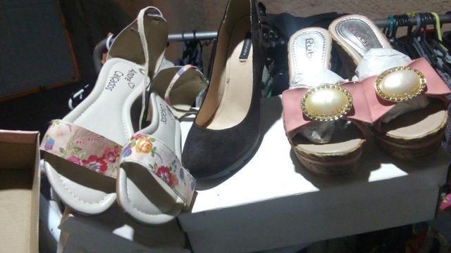 a65ae86e22c Estoque calçados e brechó completo - Roupas e calçados ...