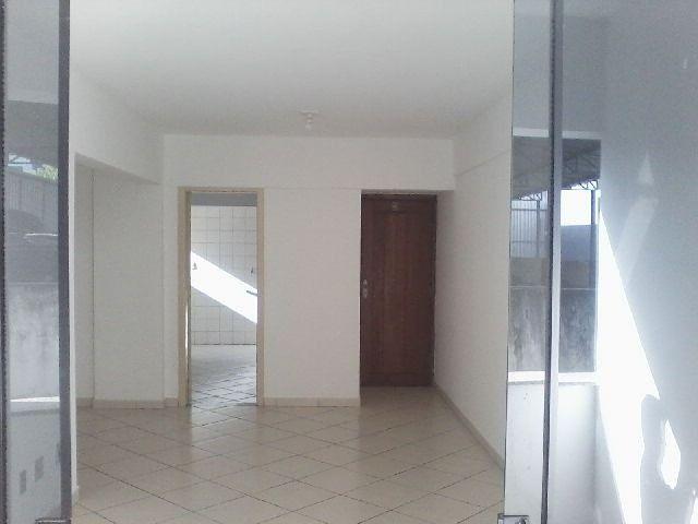 Apartamento 3/4 com dependência próximo ao centro de Itabuna