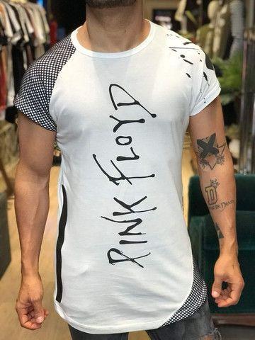 Estoque de roupas masculinas