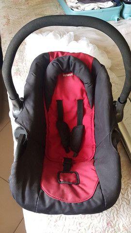 Carrinho de bebê com bebê conforto  - Foto 5