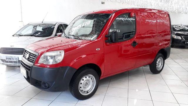 Fiat Doblo Cargo 1.4 Flex 2014 Vermelha Ar e Direção Doc OK - Foto 2
