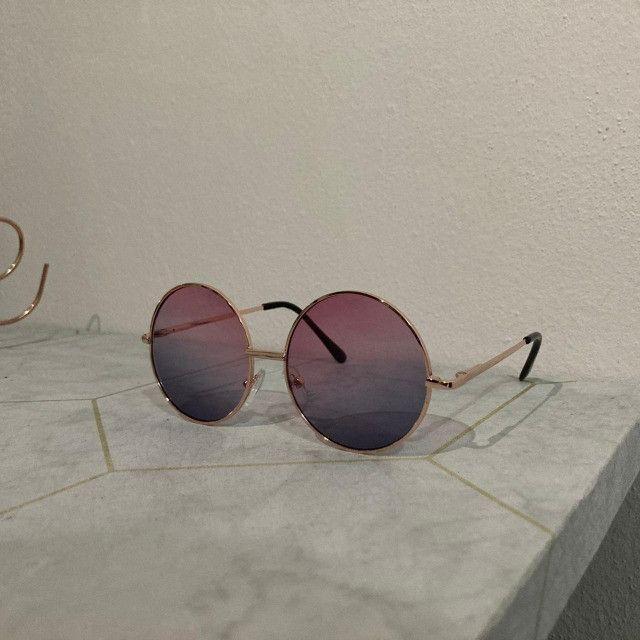 Óculos De Sol Redondo Circular Preto, Rosa ou Verde Unissex Retro Vintage Ozzy - Foto 4