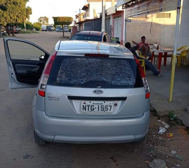 Ford Fiesta 2010 18.000 - Foto 4