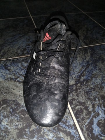 Chuteira Adidas Semi nova, Número 40. - Foto 3