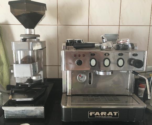 Maquina De Cafe Expresso 1 Grupo Farat com moinho