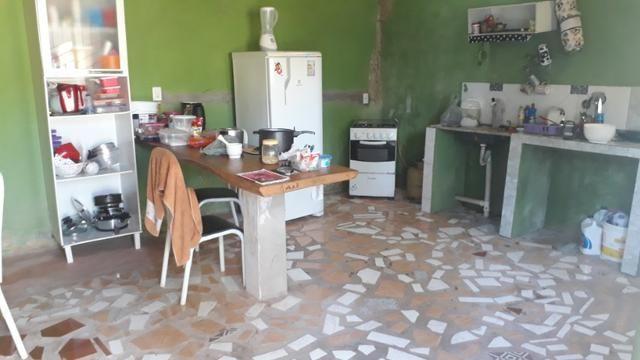 Vende, R$ 300.000,00, excelente casa na av. principal da folha 23 com kitnet no fundo - Foto 2