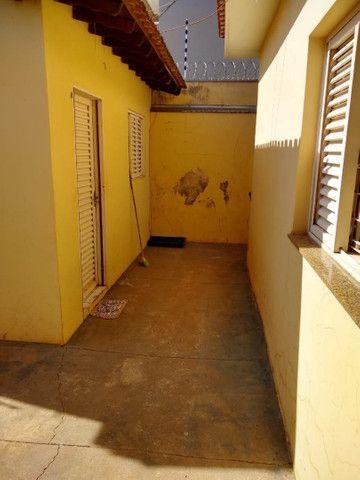 Vendo casa jd morumbi frente praça melhor bairro pra familia - Foto 2