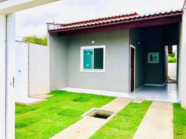 DP casa nova com 2 quartos 2 banheiros a 10 minutos de messejana