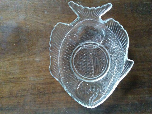 Prato de vidro em formato de peixe para canapés - Foto 2