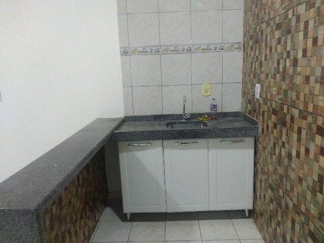 Apartamento térreo, com 3 quartos e 3 banheiros, garagem... - Foto 2