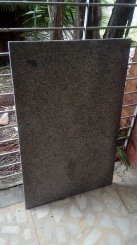 Pedras de granito e cadeiras - Foto 2