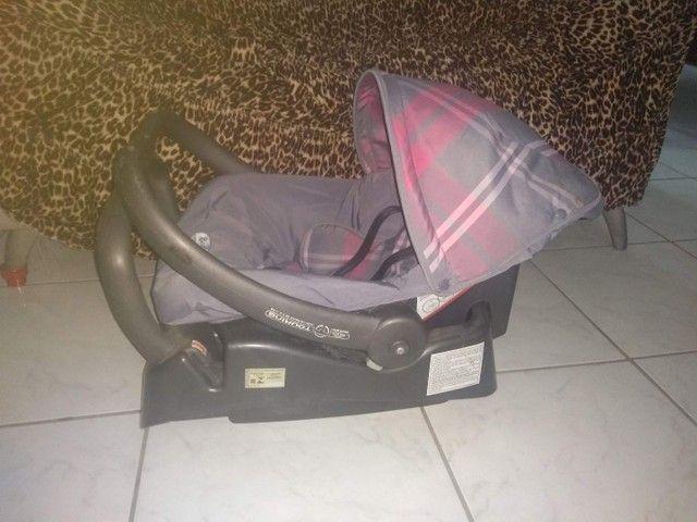 Vendo ou troco Bebê conforto com base para carro  - Foto 4