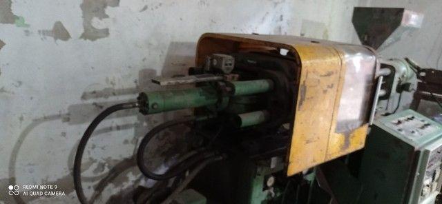 Maquína injetora de plásticos IS 100 - Foto 2
