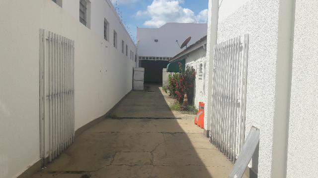 Casa e barracão tudo por R$ 3.550,00 próximo a trescinco da Fernando correa