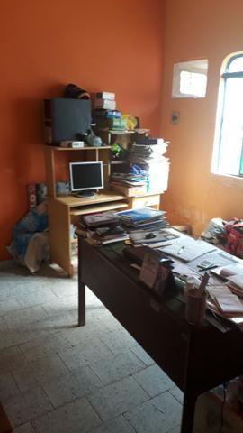 Vende, R$ 300.000,00, excelente casa na av. principal da folha 23 com kitnet no fundo - Foto 5