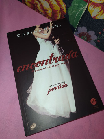 Livro Encontrada, Carina Rissi