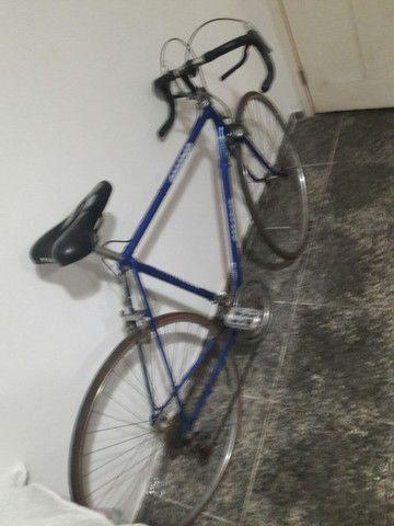 Bicicleta Caloi 10 de corrida com 7macha e um raridade no valor de 1.000 mil reais  - Foto 2