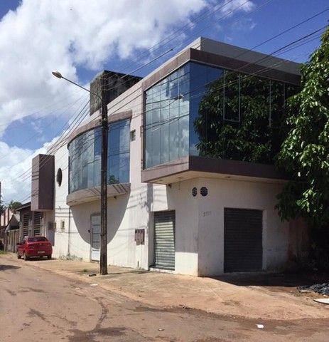 Prédio comercial e residencial