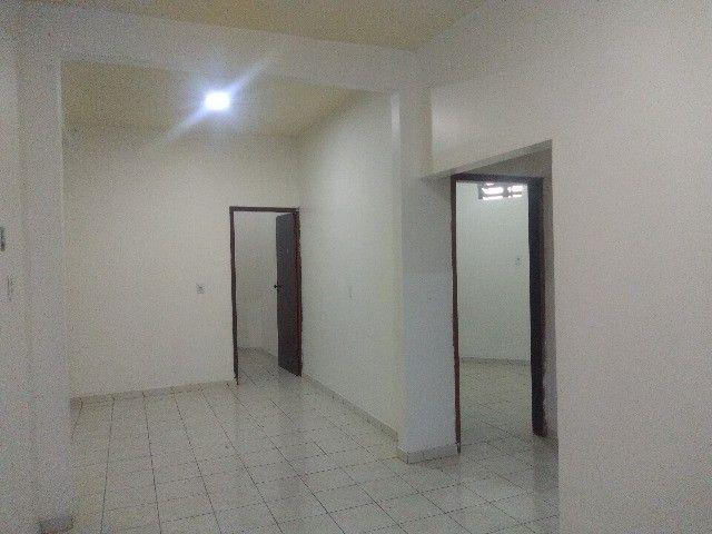 Apartamento térreo, com 3 quartos e 3 banheiros, garagem... - Foto 7