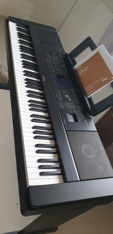 Piano Digital Yamaha DGX 660B