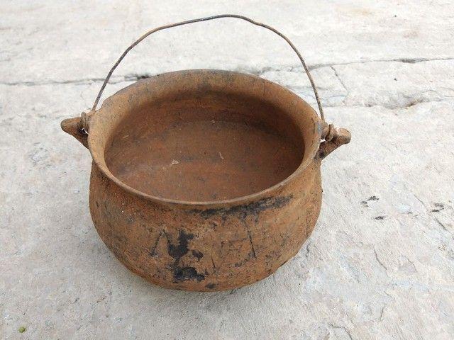 Caldeirão panela ferro furado antiguidade decoração artesanato enfeite  - Foto 4