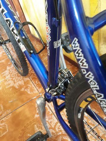 Bike semi nova quadro 21 aro 26 - Foto 4