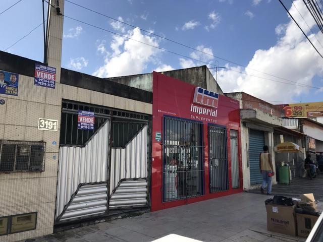 Ponto Comercial na Avenida João Durval Carneiro, com espaço de 300 m