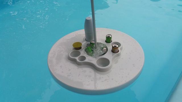 Mesa flutuante com cooler e porta copos para piscina - Foto 3