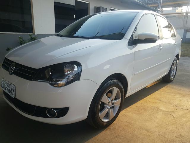 Vw Polo 1.6 confortline Branco 2014