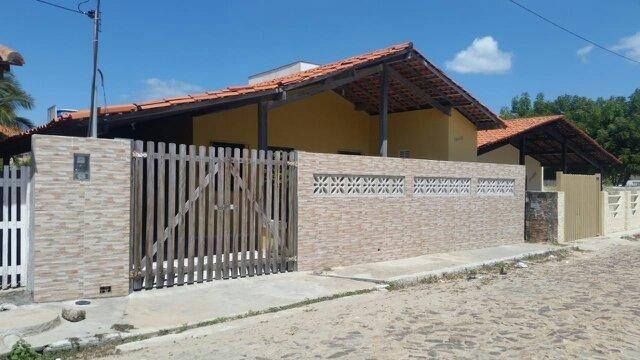 Casa na Praia do Coqueiro disponivel para ferias, feriados e finais de semana