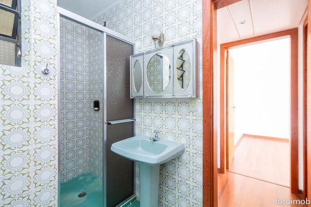 Vendo apartamento 2 dormitórios amplo e com garagem coberta no São Sebastião - Foto 19